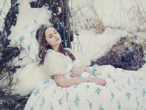 winter_sleep_by_inessa_emilia-d37bxtz